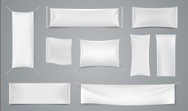 Bannière d'annonce de textile Maquette blanche de la publicité de tissu de blanc, feuille d'isolement réaliste d'annonce de tissu illustration de vecteur