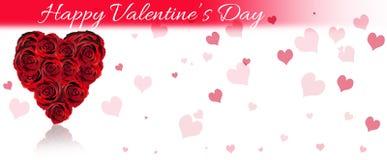 Bannière de jour du ` s de Valentine, coeurs rouges sur le bois Images stock