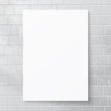 Bannière de livre blanc contre le mur de briques Photo libre de droits