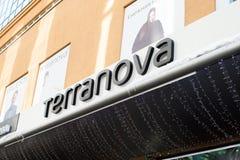 Bannière de signe de logo de Terranova de magasin de rue photos libres de droits
