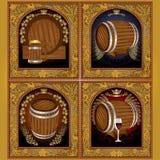 bannière quatre d'or avec des raisins et le baril d'houblon et le vin et la bière de tasse Photographie stock libre de droits