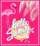 Bannière rose avec le lettrage en bon état de dessin de main d'été de couleur bonjour, le soleil, les palmettes roses et le flama Photographie stock