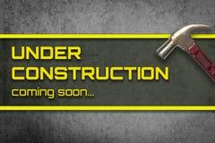 Bannière sale en construction de marteau Image libre de droits