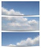 Bannières de triangle avec le ciel bleu profond Image stock