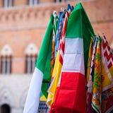 Bannières du Contrade à Sienne Photos stock