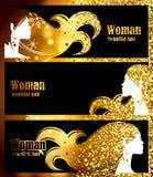 Bannières noires, étincelles lumineuses de fond d'or, lueur d'or, cheveux élégants de belle silhouette féminine decorat de concep illustration de vecteur