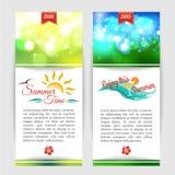 Bannières typographiques d'été brillant avec brouillé Image stock