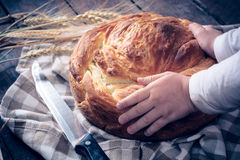 Bannock in the hands Royalty Free Stock Photo