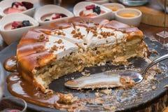Banoffe kaka på tabellen Royaltyfri Fotografi