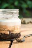 Banoffee delicioso no frasco de pedreiro Fotos de Stock Royalty Free