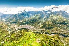 Banos DE Agua Santa Aerial Wide Angle Nee aan Sw royalty-vrije stock afbeelding