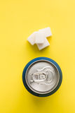 Banque de nourriture industrielle de cubes en soude et en sucre Image libre de droits