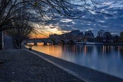 Banques de la Seine et lever de soleil d'Ile de la Cite, Paris Image libre de droits