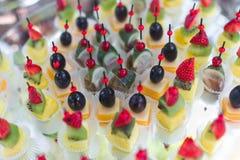 banquet тарелка dof сыра canape сфокусировал один ресторан отмелый Стоковое Изображение RF
