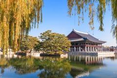 Banquet royal Hall de Gyeonghoeru image libre de droits
