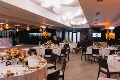 Banquet rustique de hall de mariage Images stock