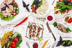 Banquet servi dans la tradition russe, à plat configuration photos stock