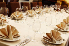 Banquet table with restaurant serving Royalty Free Stock Photos