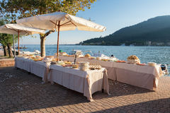 Banquete de boda en el mar Foto de archivo