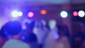 Banquete de casamento Povos da dança Imagem borrada vídeos de arquivo