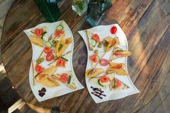 Banquete maravillosamente adornado tabl2 del abastecimiento Imagen de archivo