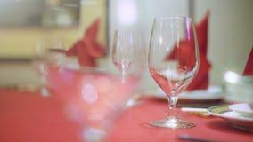 Banquete rojo de la boda almacen de metraje de vídeo