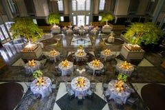 Banquete setup em Salão enorme Fotografia de Stock
