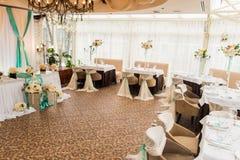 banqueting αίθουσα απομονωμένο ανασκόπηση εξυπηρετώντας επιτραπέζιο λευκό Στοκ εικόνες με δικαίωμα ελεύθερης χρήσης