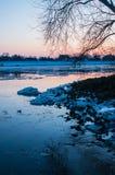 Banquisas de gelo no rio alemão elbe em Geesthacht, perto de Hamburgo Imagem de Stock