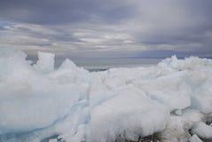 Banquise sur le lac Khuvsgol, Mongolie Photos libres de droits