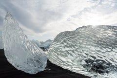 Banquises en mer, et plage dans le ³ n, Islande de rlà de ¡ de Jökulsà photos libres de droits