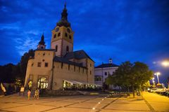 Banska Bystrica在晚上 免版税图库摄影