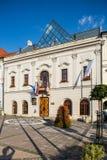Banska Bystrica斯洛伐克-老大厦在大广场-镇哈雷 免版税图库摄影