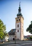 Banska Bystrica -与外堡和钟楼的老城堡 免版税库存图片