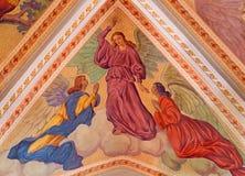 Banska Stiavnica - die Engel auf der Decke der Gemeindekirche von Jahr 1910 durch P J kern Lizenzfreie Stockfotografie