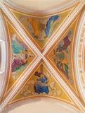Banska Stiavnica - die Freskos auf der Decke der Gemeindekirche von Jahr 1910 durch P J kern Stockfoto