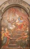 Banska Stiavnica - gesneden hulp Twaalf oude Jesus in de Tempel als deel van barokke Calvary Stock Foto's