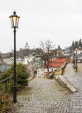 Banska Stiavnica i Slovakien, historisk mitt och ny slott Royaltyfria Bilder