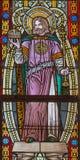 Banska Stiavnica - St Stephen konung av Ungern på fönsterrutan i kyrka för st Elizabeth från 19 cent Royaltyfri Foto
