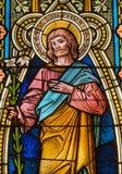 Banska Stiavnica - Stet Joseph på fönsterrutan i kyrka för st Elizabeth från 19 cent Royaltyfria Foton