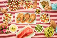 banta medelhavs- äta för begrepp som är sunt Top beskådar royaltyfria bilder
