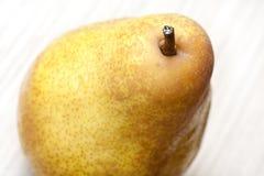 banta pearen för ny frukt för mat den naturliga arkivfoto
