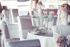 banta vatten för bandet för tabellen för det glass måttet för maträtten set Royaltyfria Foton