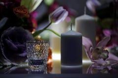 banta vatten för bandet för tabellen för det glass måttet för maträtten set Royaltyfria Bilder