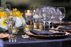 banta vatten för bandet för tabellen för det glass måttet för maträtten set Royaltyfri Bild
