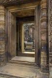 Bantaey Srei dörröppning Royaltyfria Foton