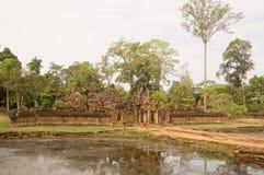 banteay护城河srei寺庙 免版税图库摄影