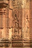 banteay柬埔寨城堡srei妇女 图库摄影