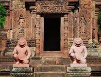 Banteay Srei在吴哥窟的少校寺庙 免版税库存图片