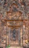 Banteay Srei寺庙红砂岩寺庙在吴哥,柬埔寨 免版税图库摄影